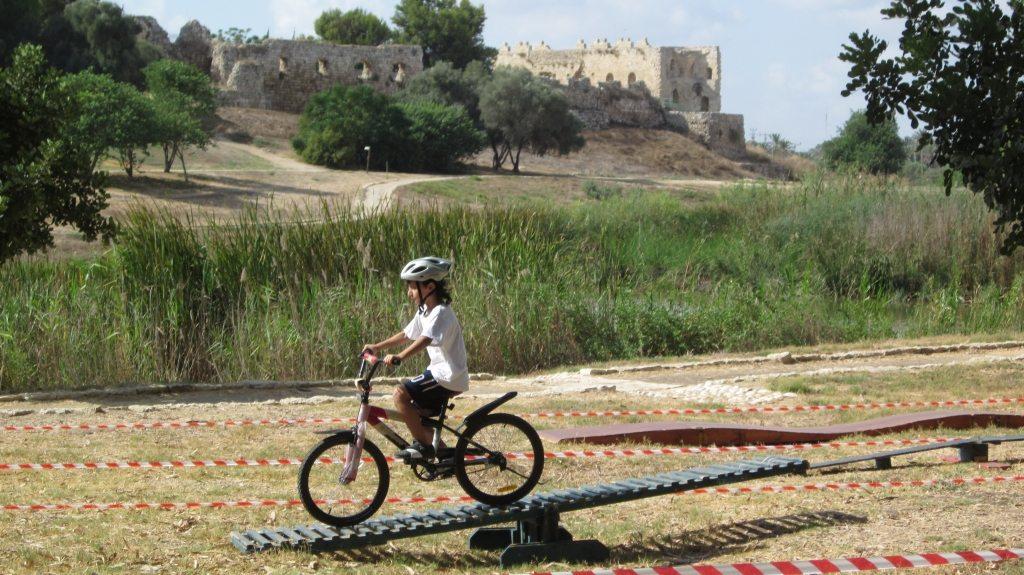 פעילות אופניים בגן לאומי ירקון - צילום טל כרמי